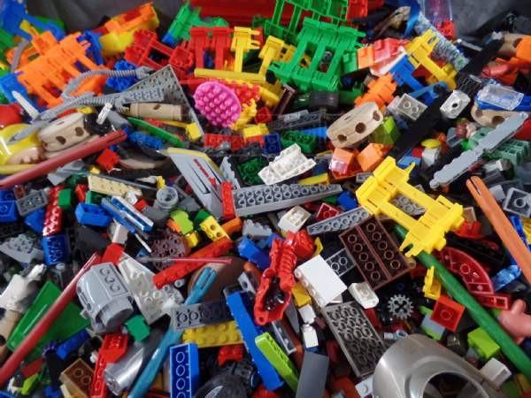 Bulk Lego Lots: Digging a Hole or Digging for Treasure?